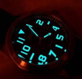 Часы Citizen Эко-Драйв работают от любого источника света