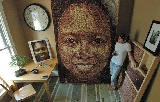 Эко-арт: Огромные портреты сделаны из тысяч пробок