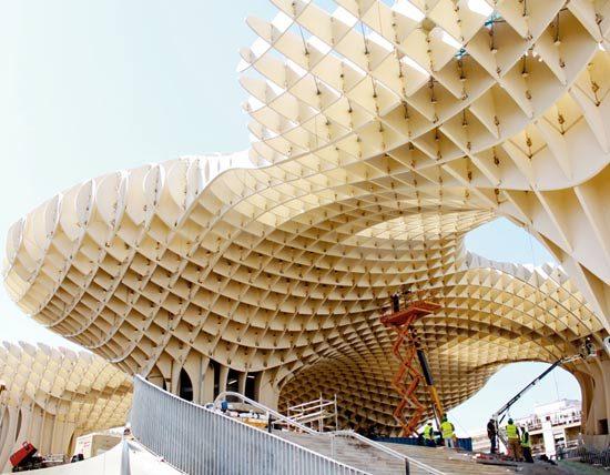 В Севилье открыта самая большая в мире конструкция из дерева